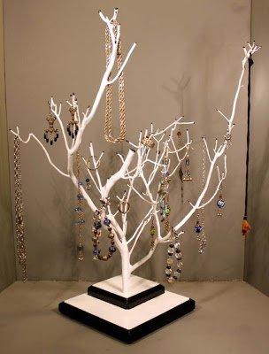 Video: Idea fácil y original para organizar tus joyas
