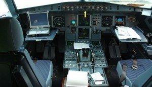 ¿Cómo funciona el piloto automático de un avión?