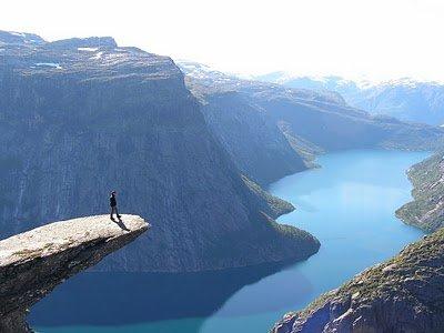 El origen del miedo a las alturas