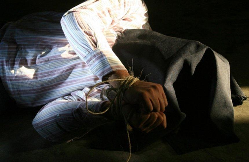 Secuestra a 17 personas en Guerrero