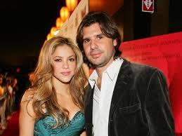 Shakira gana juicio a Antonio De la Rúa