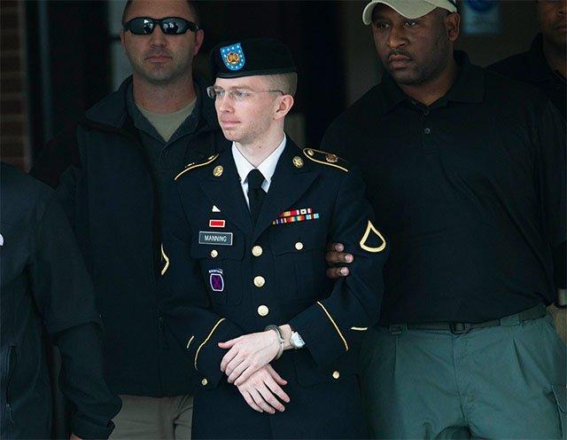 Condenan a 35 años de prisión a Bradley Manning