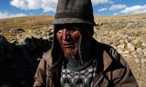 ¿Dónde vive el hombre más longevo del mundo?