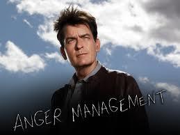 Contrato millonario de Charlie Sheen por Anger Management