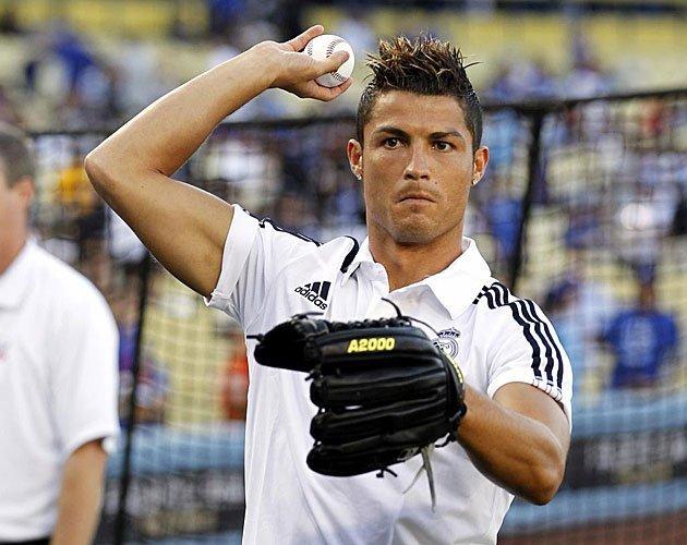 Video: Cuán bueno es Cristiano Ronaldo jugando béisbol