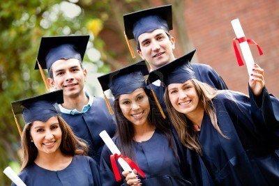 Quiénes destacan más en la educación superior ¿Hombres o mujeres?