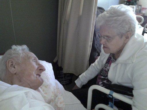 Pareja de ancianos muere el mismo día