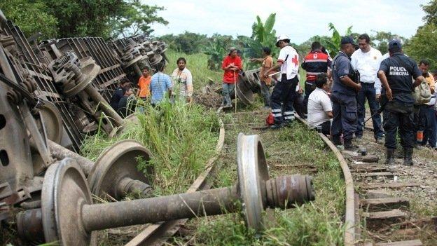 Descarrila 'La Bestia': deja seis hondureños muertos