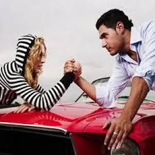Hombres y  mujeres al volante ¿quién maneja peor?