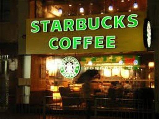 Starbucks dará empleo a adultos mayores