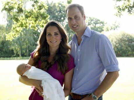 Nuevas fotos de William y Kate con su pequeño bebé