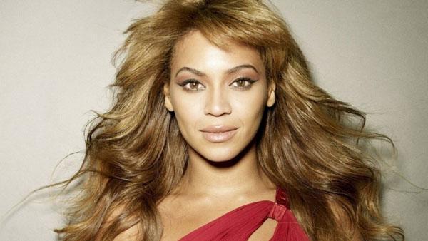 Mujer demanda a Beyoncé por detener una montaña rusa