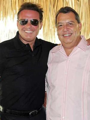 Luis Miguel envía aviones con despensas para Acapulco
