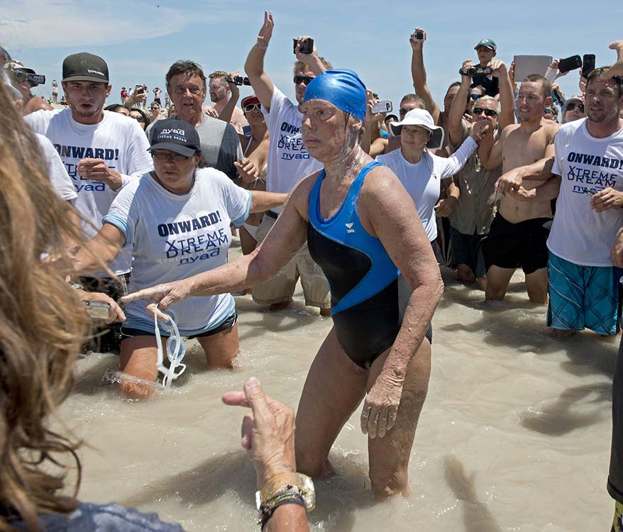 Increíble: Mujer de 64 años nada desde Cuba hasta Florida