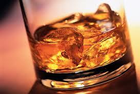 ¿Cuál es el mejor hielo para beber whisky?