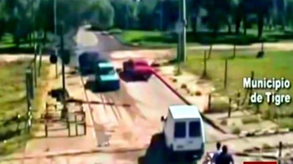 Video: Personas que arriesgan su vida para salvar a otros