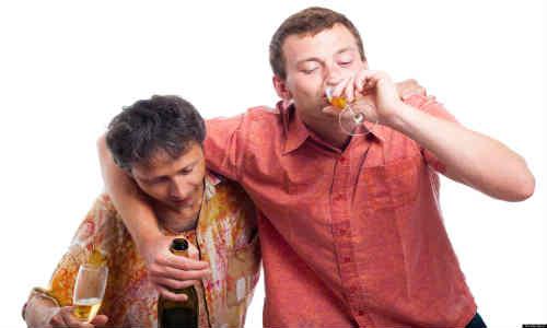 Juegos con alcohol que pueden causarte hasta la muerte