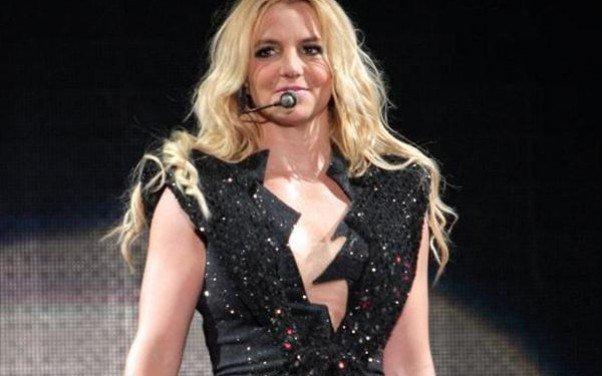 Pagan millones a Britney Spears por hacer playback