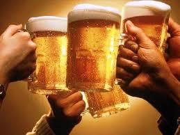 ¿La cerveza hidrata tanto como el agua?