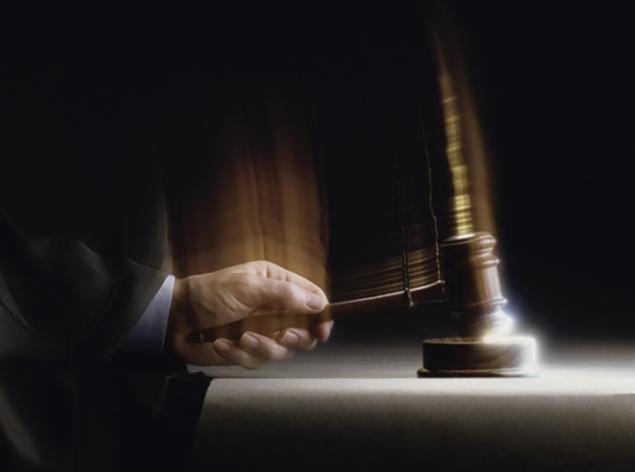 Insólito: sentencian a un hombre a permanecer muerto