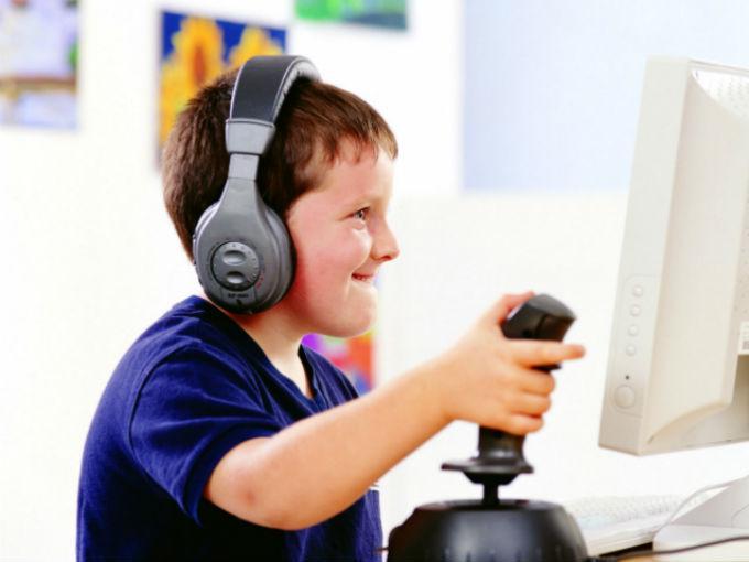 ¿Jugar videojuegos es mejor que leer un libro?