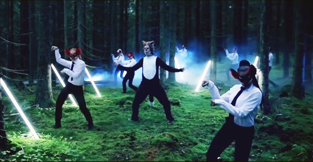 Escucha 'The Fox (What Does The Fox Say?)' nuevo furor musical