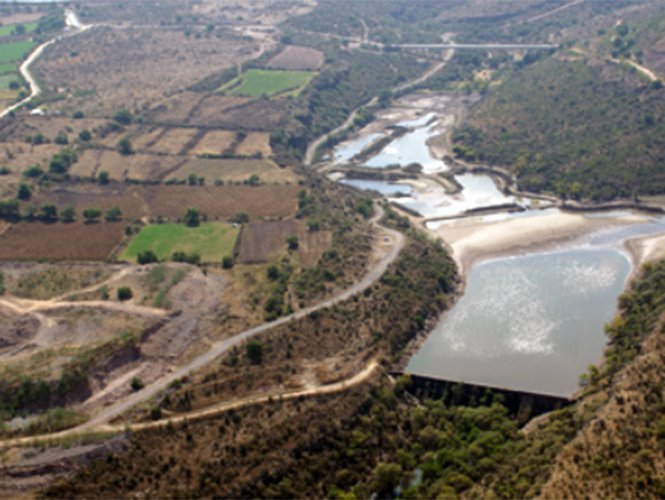 Peña Nieto inicia gira por Hidalgo e inaugura la presa 'El Yathé'