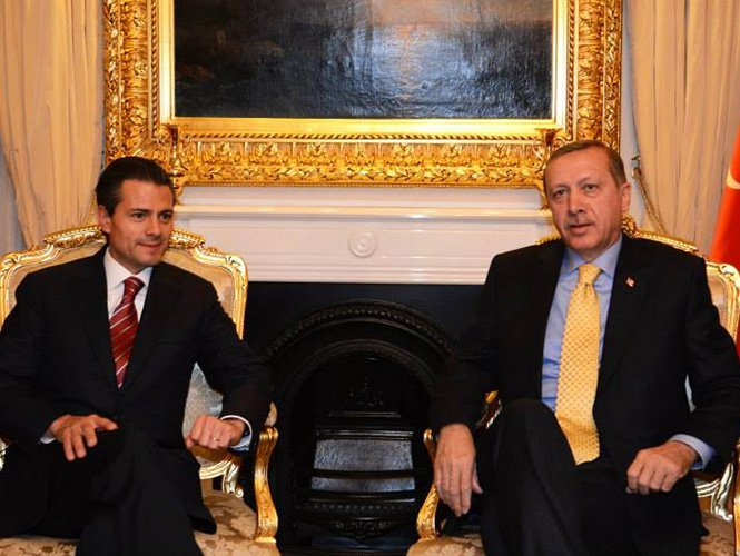 Peña Nieto dice que la energía más barata hará más atractivo a México