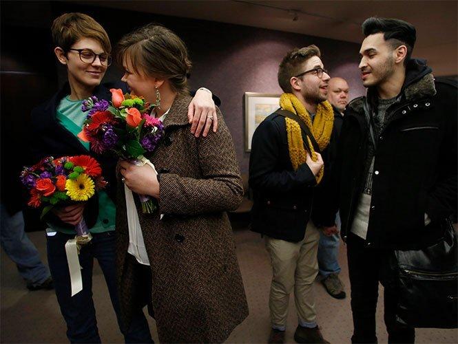 Ordenan suspender los matrimonios gays en Utah