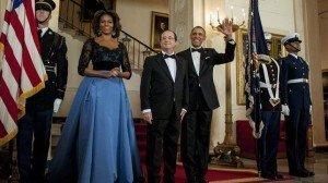 Michelle Obama elige un traje de Carolina Herrera para la cena con Hollande - Fotos