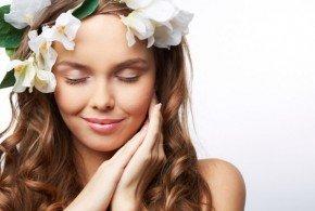 Conoce cuáles son las flores que embellcen tu cabello