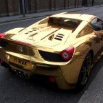 Mira la Ferrari de oro del campeón mundial de kickboxing-1