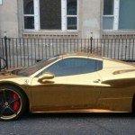 Mira la Ferrari de oro del campeón mundial de kickboxing-2