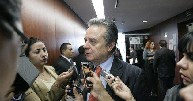El secretario de Energía admite contratos con Pemex