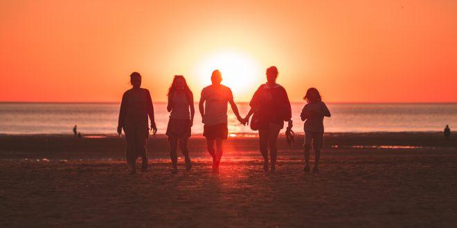 Vacaciones en familia: claves para escoger un buen alojamiento