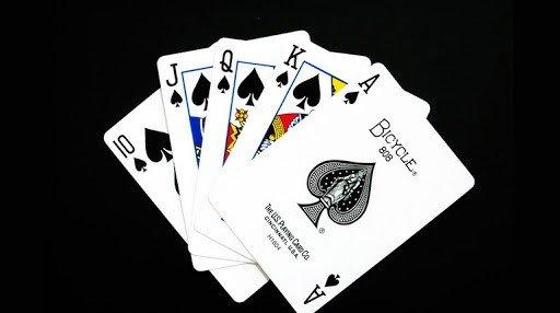 Curiosidades sobre los juegos de carta más populares