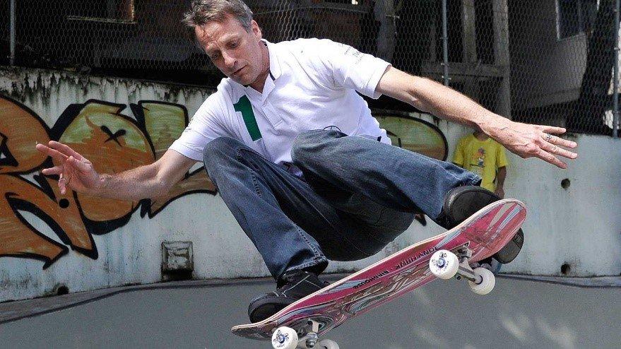 Lenda do skate Tony Hawk vai ajudar a consertar novo desenho de ...
