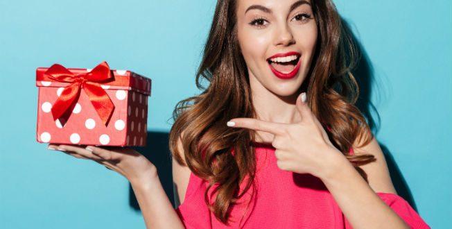 Conoce qué regalar de aniversario a una mujer